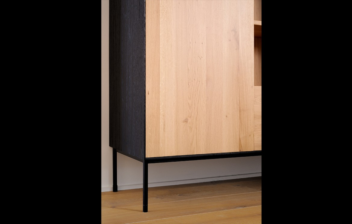 OAK BLACKBIRD Highboard