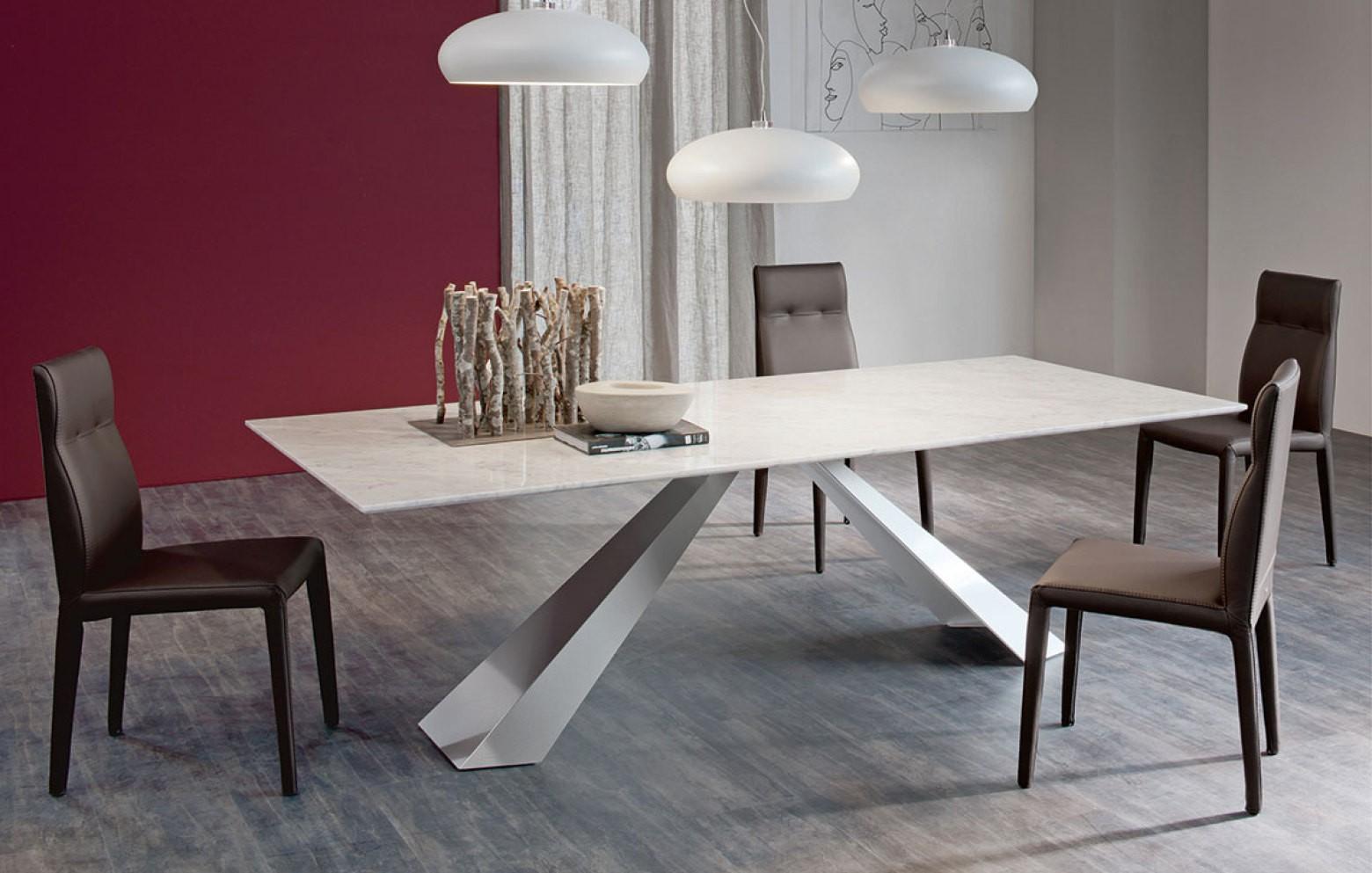 eliot esstische tische st hle who 39 s perfect. Black Bedroom Furniture Sets. Home Design Ideas