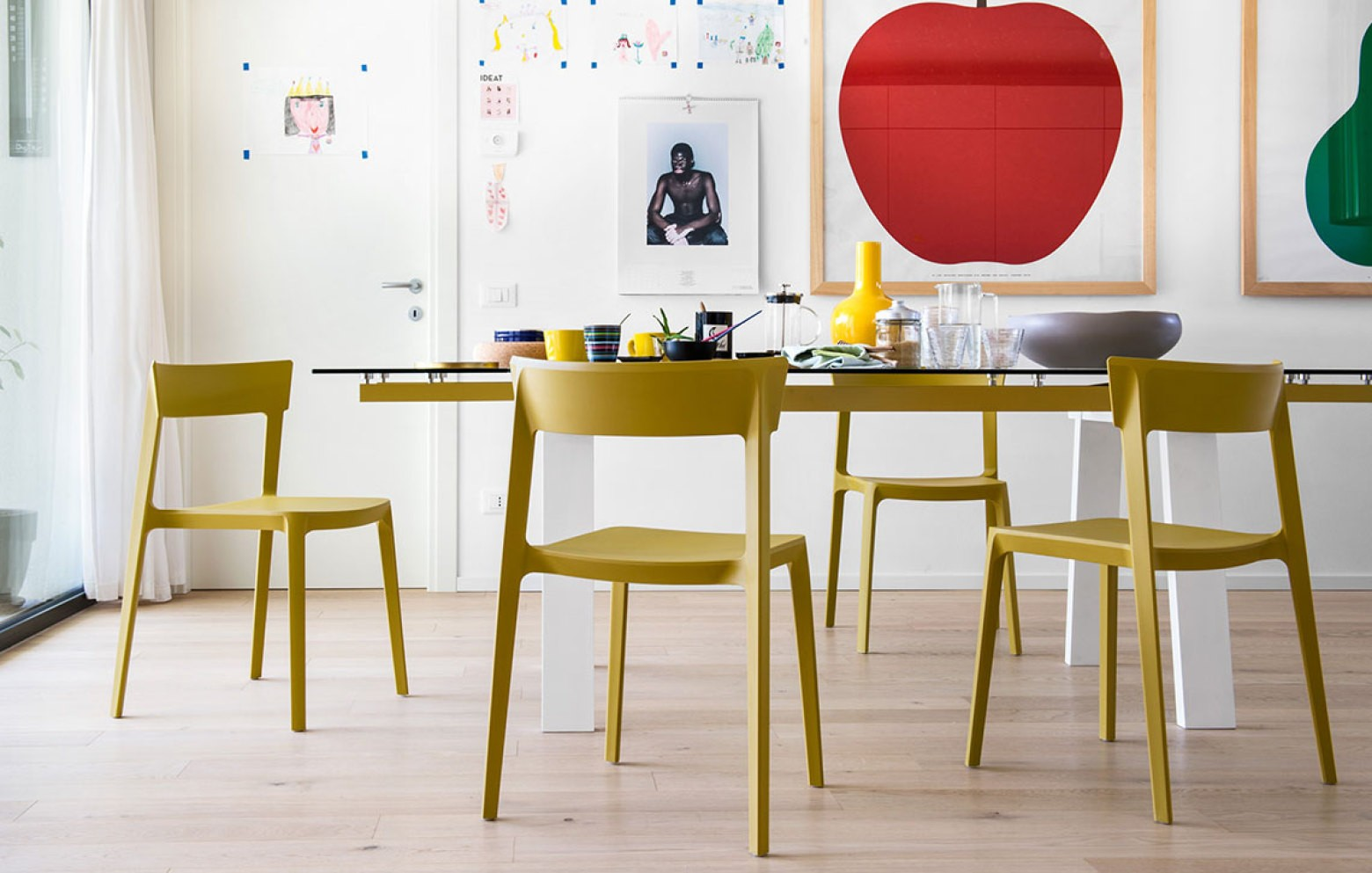 levante esstische tische st hle who 39 s perfect. Black Bedroom Furniture Sets. Home Design Ideas