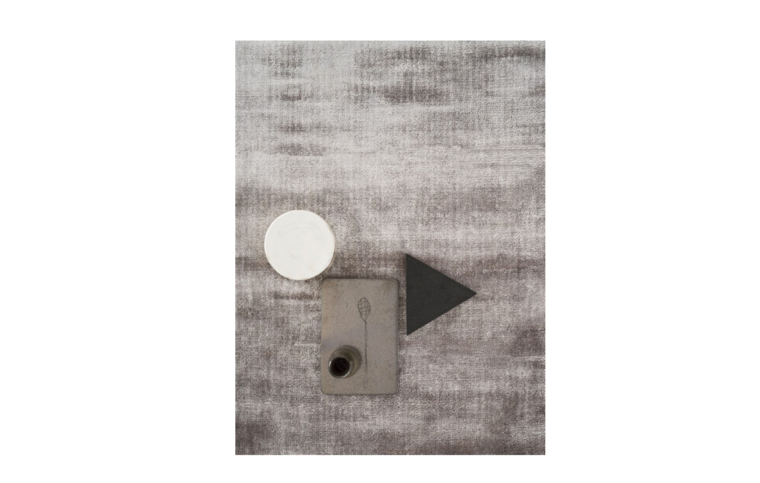 LUCENS  Teppiche  Kleinmöbel & Accessoires  Whos perfe
