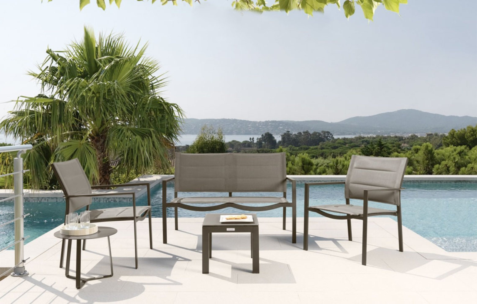 touch beistelltisch gartentische outdoor who 39 s perfect. Black Bedroom Furniture Sets. Home Design Ideas