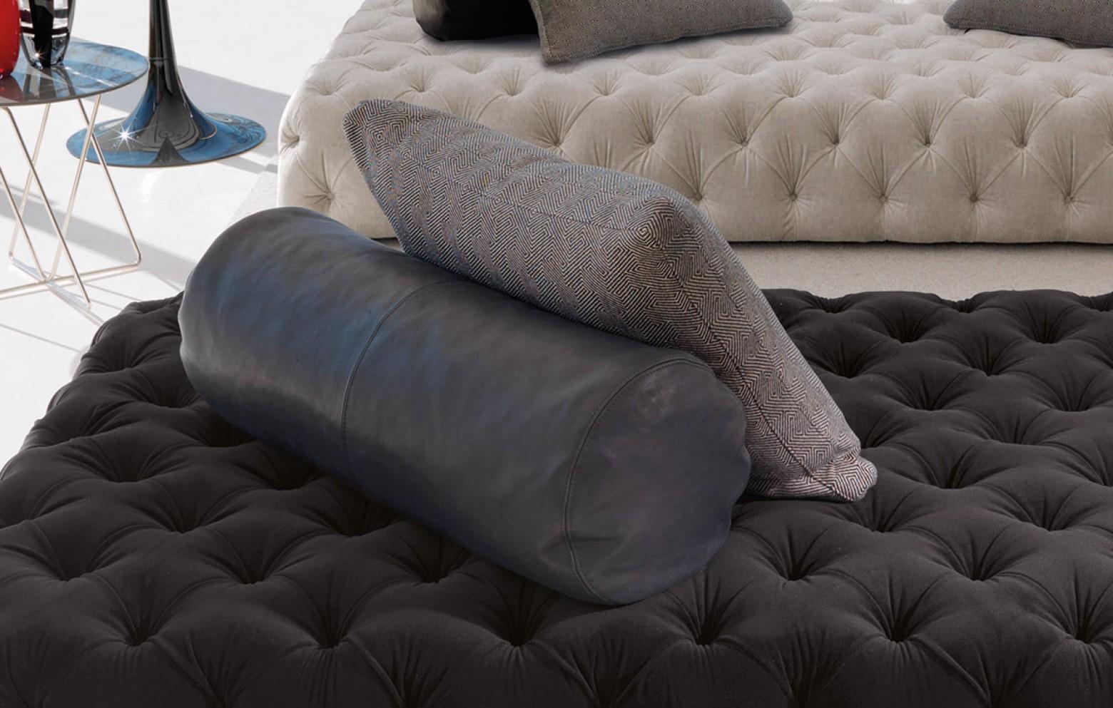 rollking r ckenlehne kissen polsterm bel who 39 s perfect. Black Bedroom Furniture Sets. Home Design Ideas