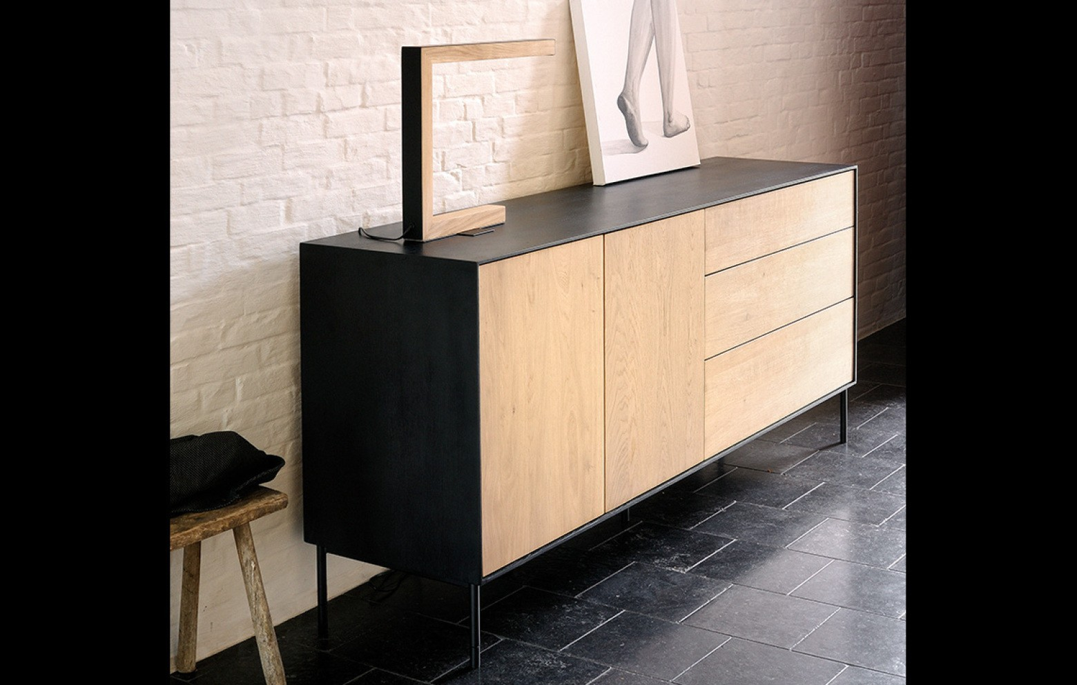 oak blackbird sideboard sideboards sideboards wohnw nde who 39 s perfect. Black Bedroom Furniture Sets. Home Design Ideas