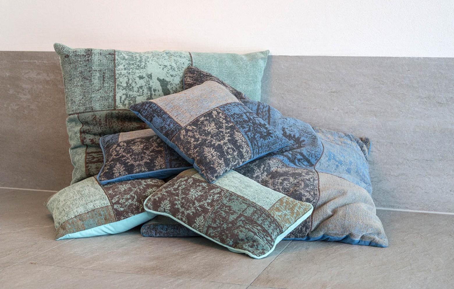 patchwork 50x50 kissen kissen teppiche online outlet who 39 s perfect. Black Bedroom Furniture Sets. Home Design Ideas