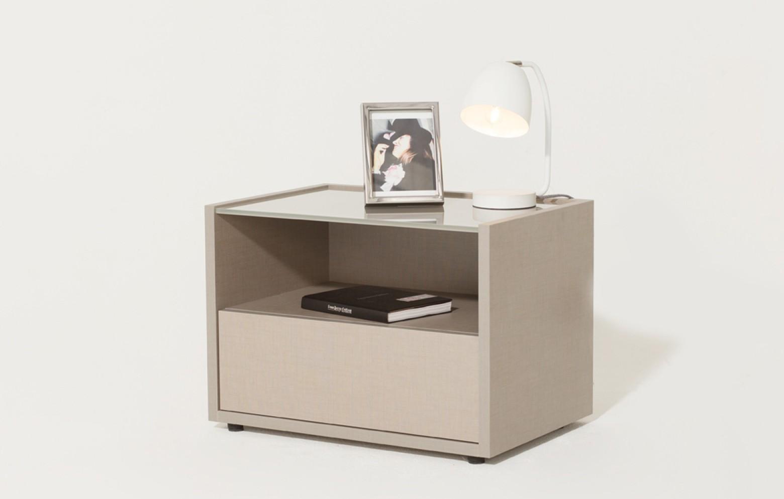 eureka nachttisch nachttische betten schr nke who 39 s perfect. Black Bedroom Furniture Sets. Home Design Ideas
