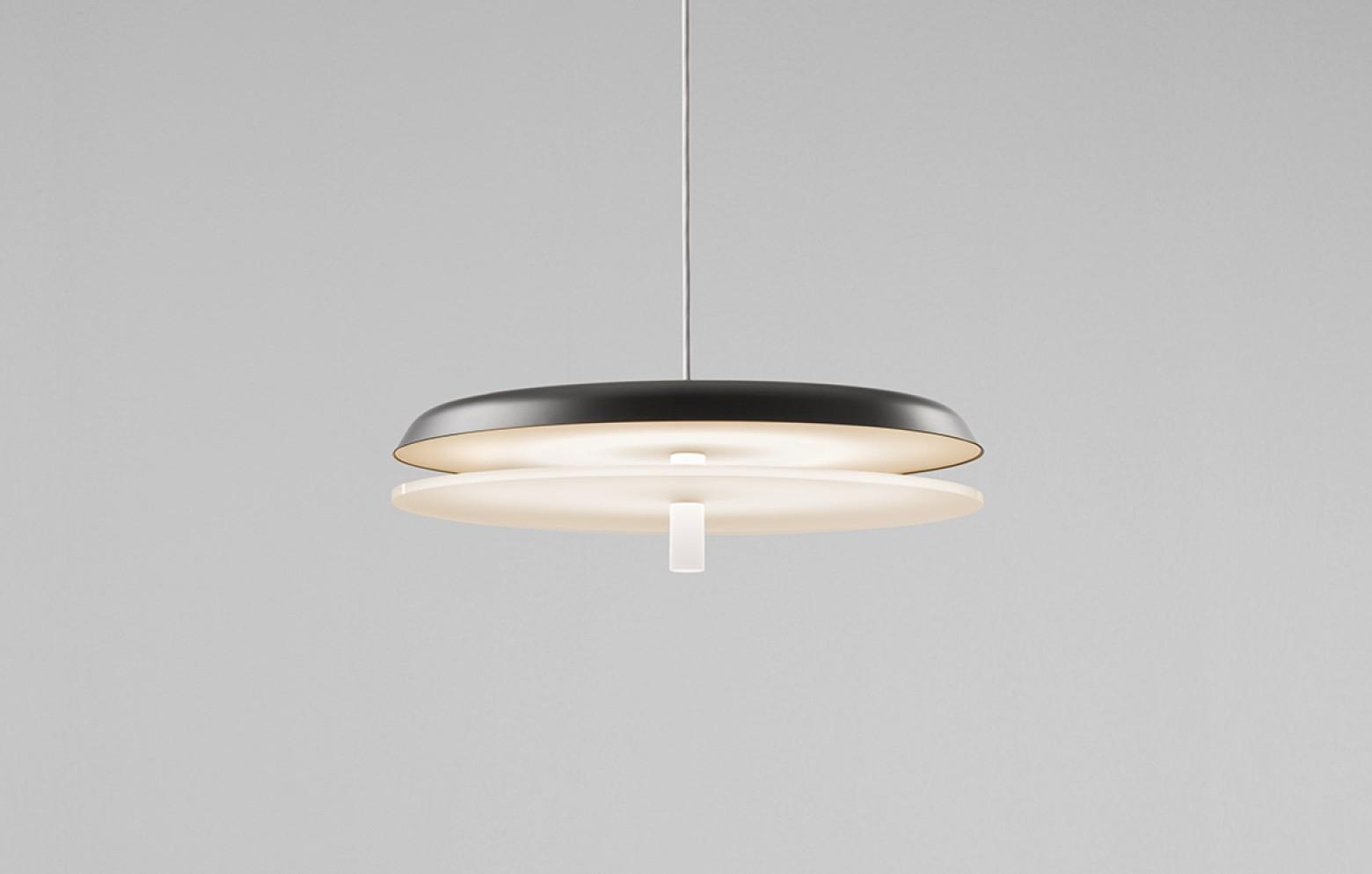 landing h ngelampe lampen kleinm bel accessoires who 39 s perfect. Black Bedroom Furniture Sets. Home Design Ideas