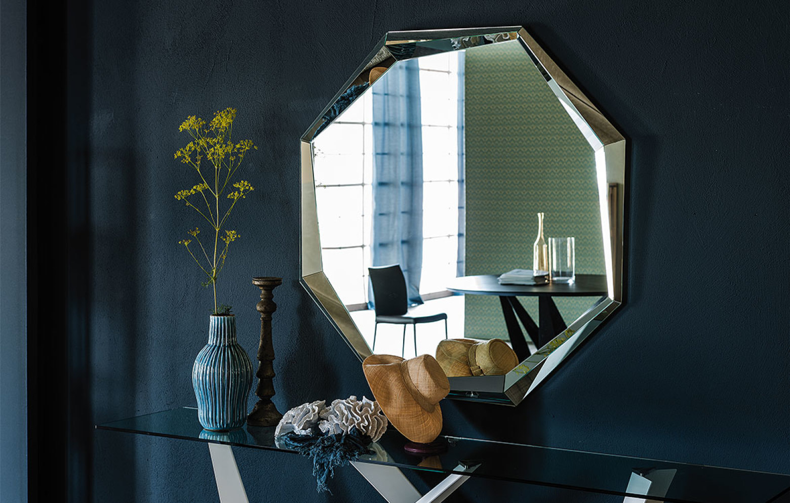Emerald spiegel kleinm bel accessoires who 39 s perfect for Specchi arredo