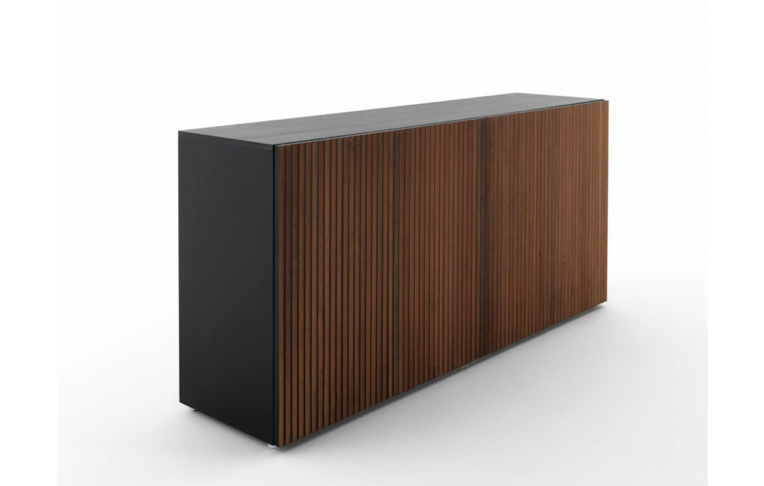 LEON   Sideboards   Sideboards & Wohnwände   Who\'s perfect.