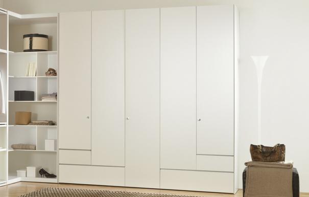 who 39 s perfect italienische designerm bel zu g nstigen preisen kleiderschr nke betten. Black Bedroom Furniture Sets. Home Design Ideas